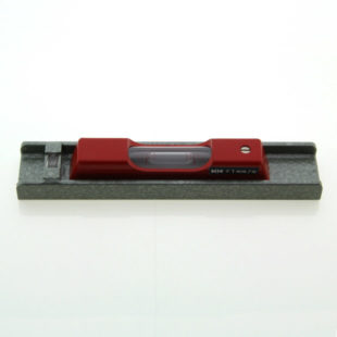 "114-0.4-150 – Engineers workshop level, 150mm long, sens. 0.4mm/m (82"")"