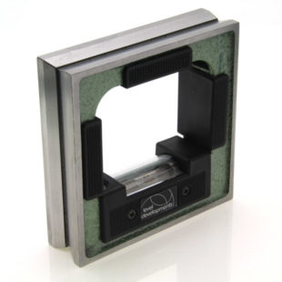 132101 – Frame level 100mm square, sensitivity 0.4mm/m