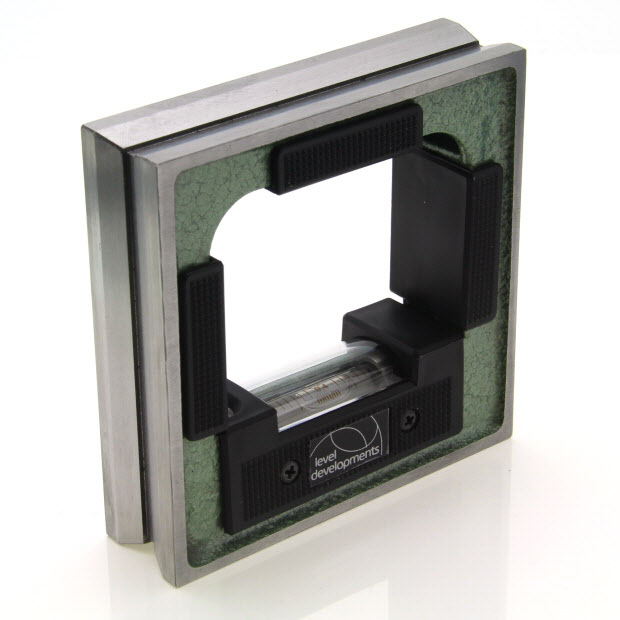 132205 – Frame level 100mm square, sensitivity 0.04mm/m