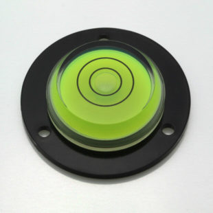 AVF43BG – Plastic circular level, Ø43mm, green liquid
