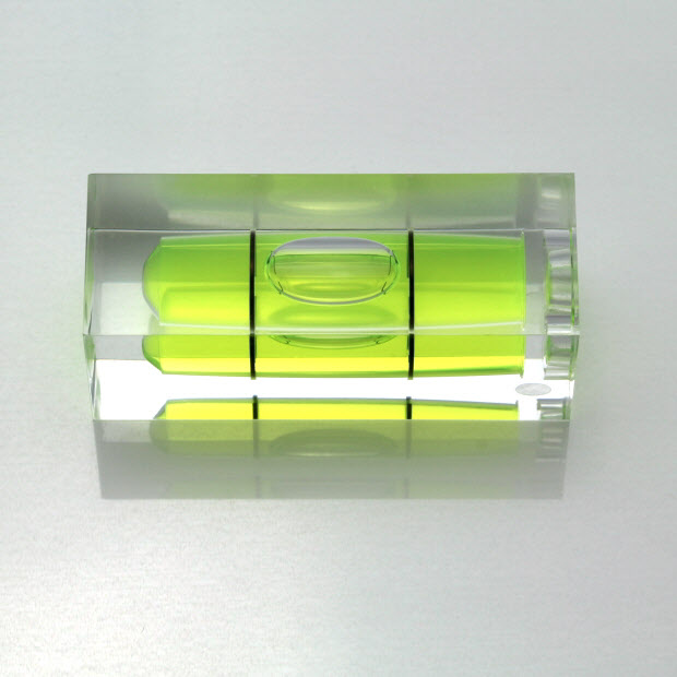 S40 – Plastic sq. section vial, 40x15x15mm, green liquid
